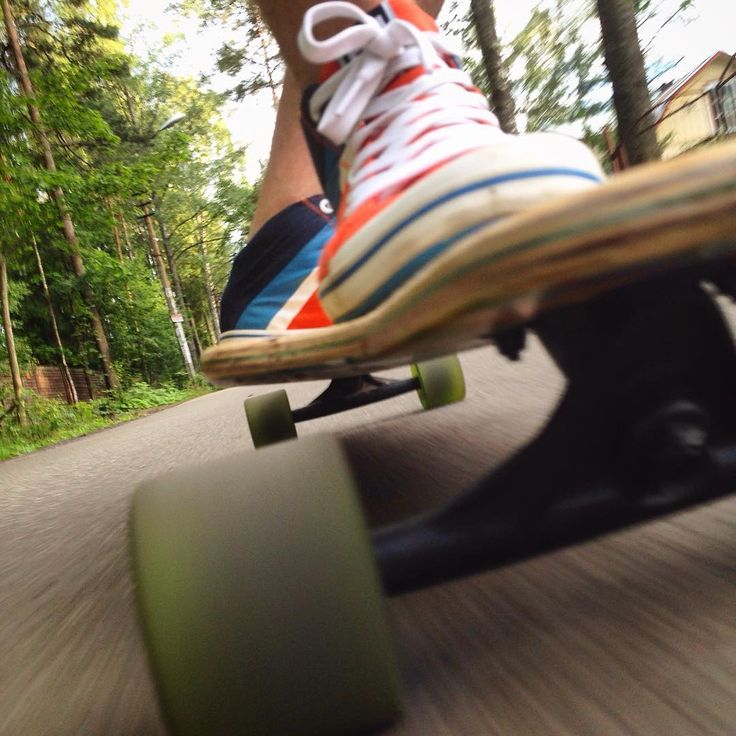Boarding in style. Photo by @stas_killme on Instagram