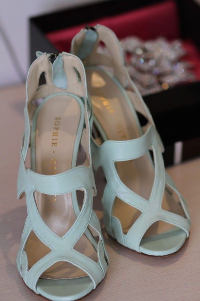 Loving the geometric shapes on these sassy light blue sandals! Featured Shoes: Sophia Gittins via Happy Wedd