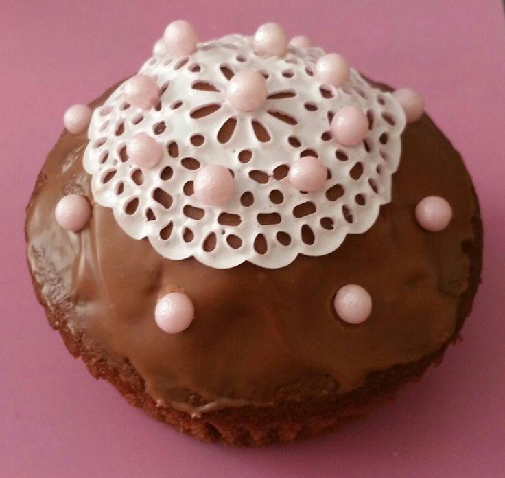 die besten 25 spitzen cupcakes ideen auf pinterest hochzeit cupcakes brautparty cupcakes und. Black Bedroom Furniture Sets. Home Design Ideas