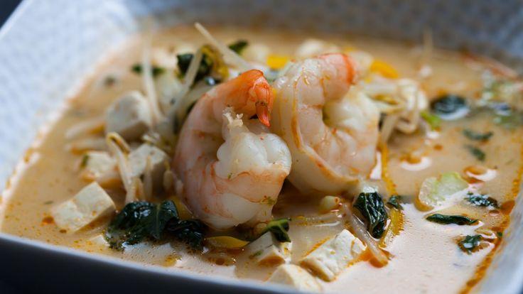 Une recette de soupe au bok choy et au lait de coco, présentée sur Zeste et Zeste.tv