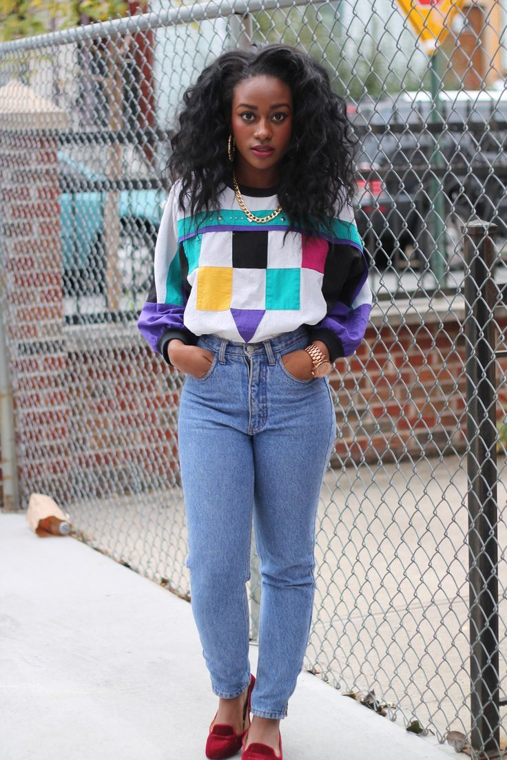 All I can say to this is yessss!!!! Her hair is on point, I love the 80's sweater and the vintage jeans are perfect with that sweater. || Desert Lily Vintage || vintage fashion. sustainable fashion. eco fashion. retro. bold and empowered. 80s