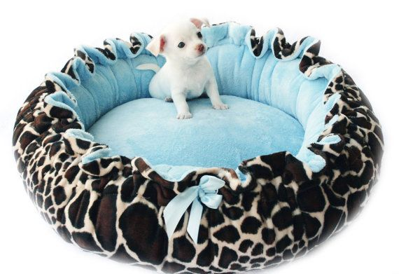 She'll grow into this on Etsy, $45.00: Dogs Beds, Giraffes Prints, Minki Couture, Cute Puppies, Beds Giraffes, Doggies Beds, Pet Beds, Couture Doggies, Leopards Prints