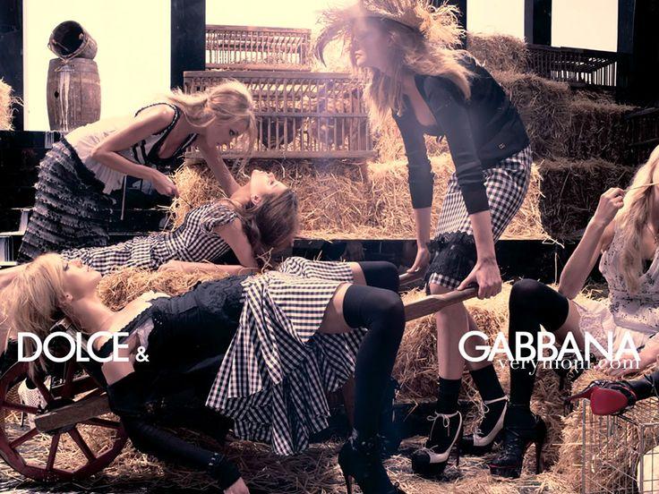 http://www.mistile.com/Content/uploads/Dolce-Gabbana-dolce-and-gabbana-1534834-1024-768.jpg için Google Görsel Sonuçları