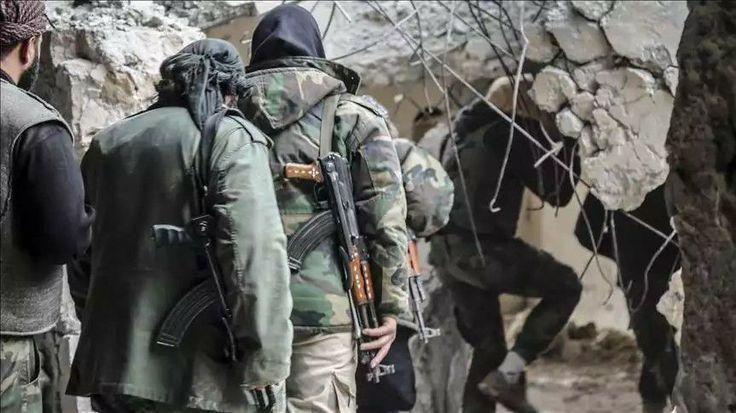 Tentara Pembebasan Suriah Sambut Baik Serangan AS ke Rezim Asad  SALAM-ONLINE: Tentara Pembebasan Suriah atau Free Syrian Army (FSA) menyambut baik serangan rudal Amerika ke pangkalan militer rezim Basyar Asad pada Jumat (7/4) dini hari lalu. Bahkan mereka mendesak Amerika untuk melancarkan serangan lebih banyak lagi.  Faksi revolusi Suriah Melihat aksi serangan tersebut sebagai titik balik dalam memerangi impunitas dan sebagai bagian dari perang internasional melawan terorisme tulis salah…