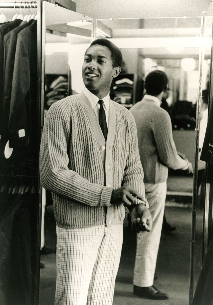 Samuel Cook, known by his stage name Sam Cooke, and on one recording as Dale Cook, was an American recording artist, singer-songwriter and entrepreneur.  Born : January 22, 1931 Died :  December 11, 1964