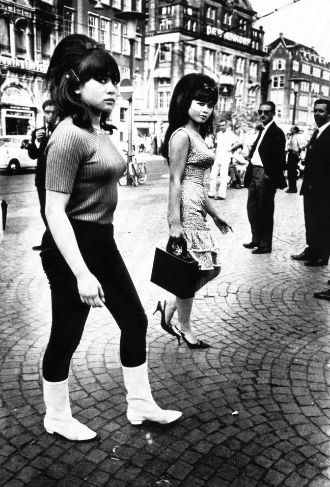 Two Indonesian girls in Amsterdam, 1966. Photography by Ed van der Elsken. Beehives forever!