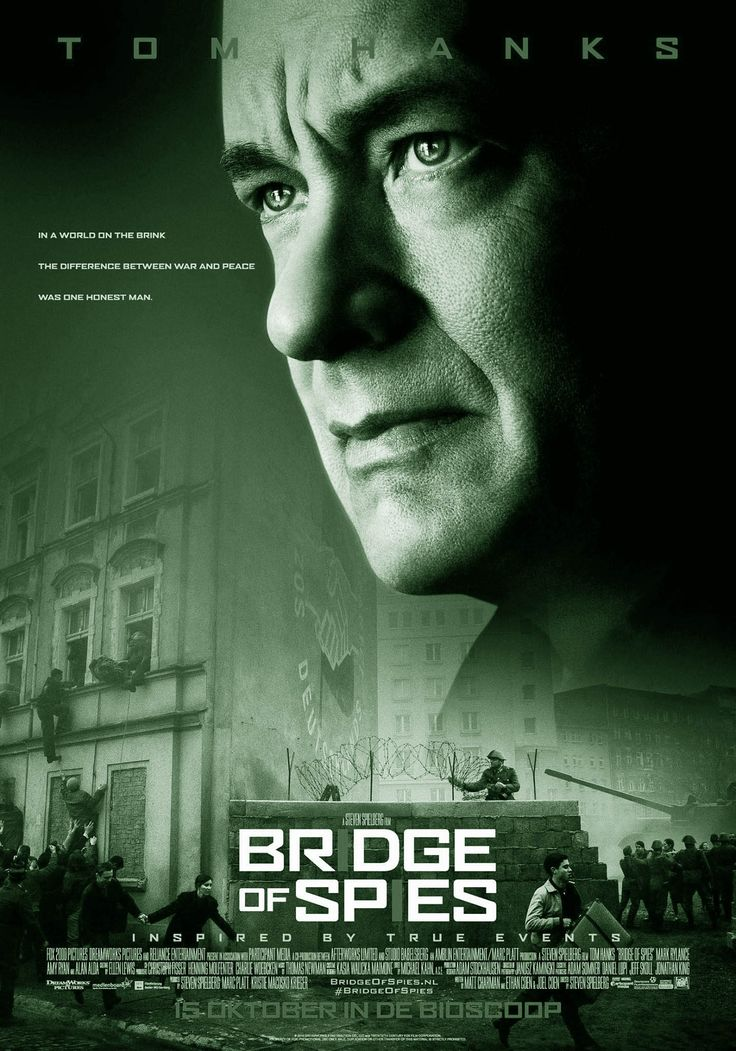 BRIDGE OF SPIES is een Amerikaanse film uit 2015 van regisseur Steven Spielberg. De film is gebaseerd op een waargebeurd verhaal. Het script werd geschreven door Matt Charman en de broers Joel en Ethan Coen. Hoofdrollen: Tom Hanks, Mark Rylance, Amy Ryan en Alan Alda.