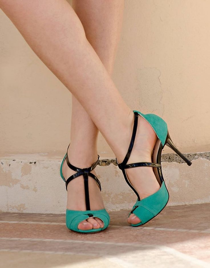 Aquamarine shoes, Tango shoes for women in suede and patent leather. Peep toe http://www.italiantangoshoes.com/shop/it/women-shoes/139-diez.html