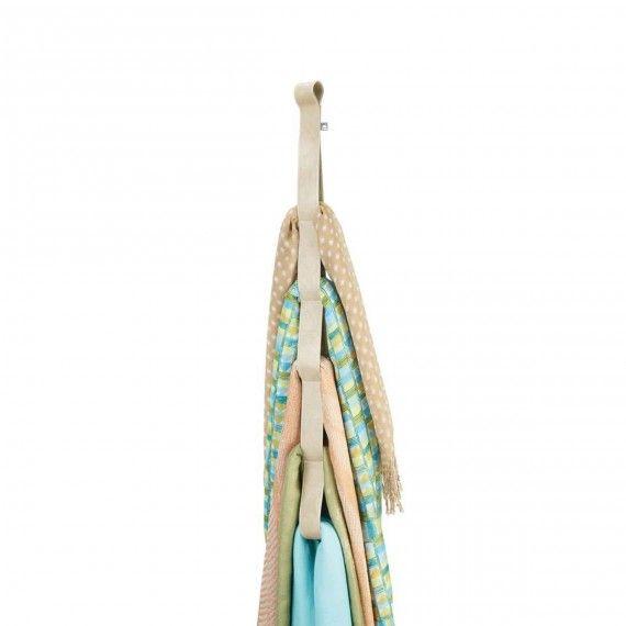 les 25 meilleures id es de la cat gorie rangement foulard sur pinterest organiser les foulards. Black Bedroom Furniture Sets. Home Design Ideas