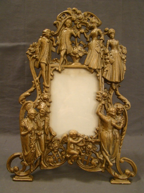 17 best images about antique picture frames on pinterest victorian pictures easels and. Black Bedroom Furniture Sets. Home Design Ideas