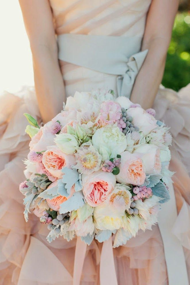 Pastels perfection ~ Photographer: Swoon by Katie, Floral Design: Modern Bouquet  | bellethemagazine.com