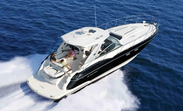 Who's up for a little cruising out on the ocean? The 2013 Monterey 400 Sport Yacht