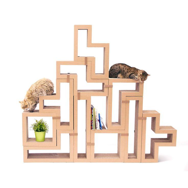 O gatos adoram arranhar as coisas, o que, na maioria das vezes, significa que você precisa comprar um sofá novo, não é mesmo?! Arranhadores para gatos aliv