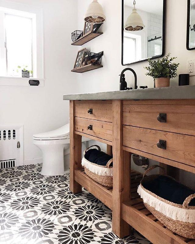 Floral Patterned Floor Tile For Days In 2020 Bathroom Trends Bathroom Tile Designs Floor Patterns