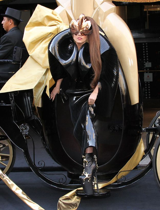 "Lady Gaga At The NYC Launch Of Her ""Fame"" Perfume I want her shoes...."