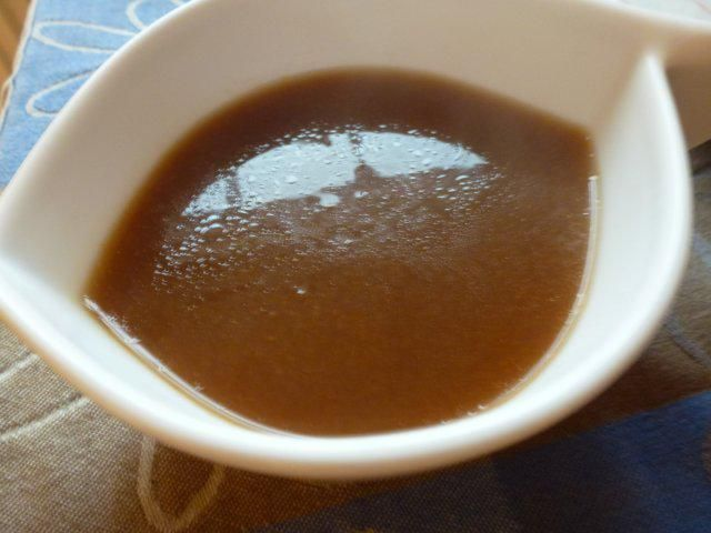 Das perfekte Orangensauce zur Ente-Rezept mit Bild und einfacher Schritt-für-Schritt-Anleitung: Die Rote Zwiebel und den Knobi im Öl andünsten und durch…