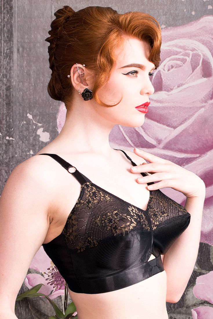 Who can resist spiral stitching and this decadent black and gold lace? We've brought out this beautiful Fontaine version of our classic Bullet Bra, in opulent gold detailed fabric, to start 2017 off in the best way possible! This beautiful set is very limited edition so snap up a piece of WKD history while you can! Model Miss Deadly Red with Splendette earrings