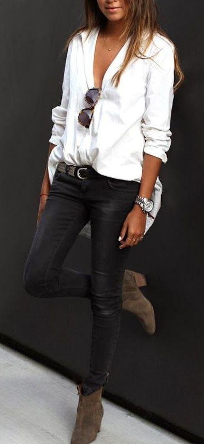 Minimal + Chic   loose blouse + black skinnies