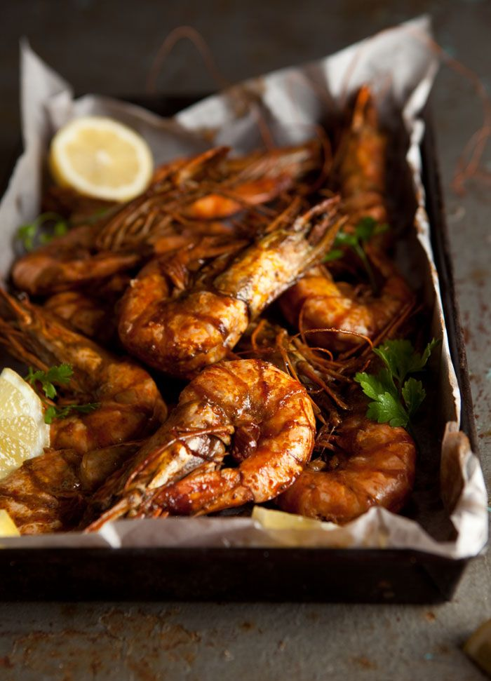 Very easy oven roasted peri peri prawns recipe | Drizzle and Dip