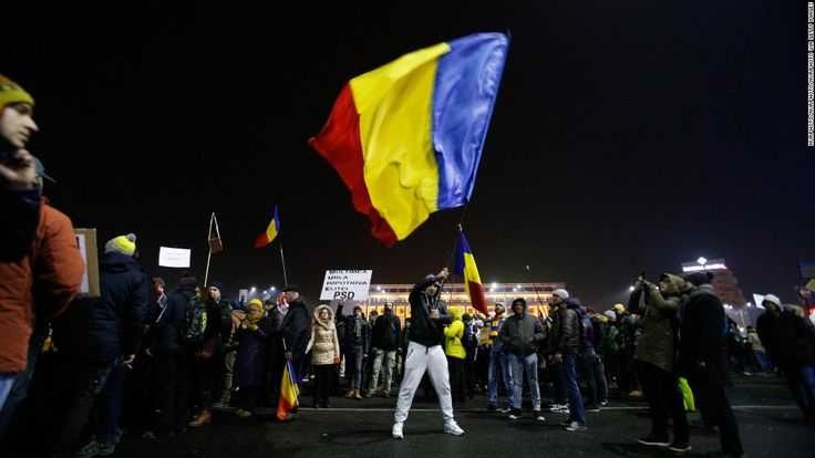 Amid ongoing nationwide protests, the Romanian government has scrapped a  bill that would have protected many politicians from being prosecuted for corruption.