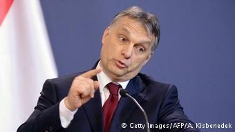Hungary: Refugees defy Police as EU Remains Divided over Crisis