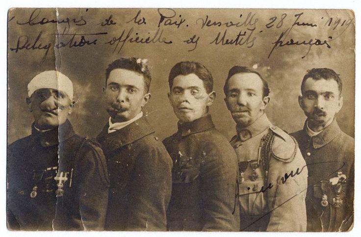 Gueules cassées. Versailles. 28 juin 1919.