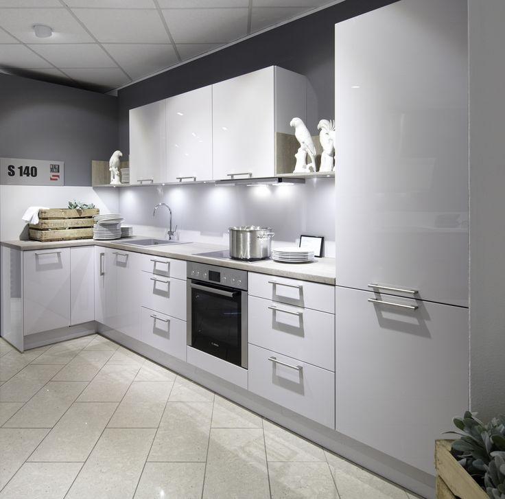 Les matériaux nobles du modèle Luce apporte LA touche du0027élégance à - vito küchen nobilia