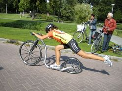 Mid race 2009 - Europe.  The essence of fitspo.