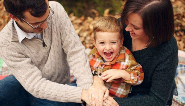 Achtsamkeit in der Erziehung: Mehr Tiefe in der Eltern-Kind-Beziehung