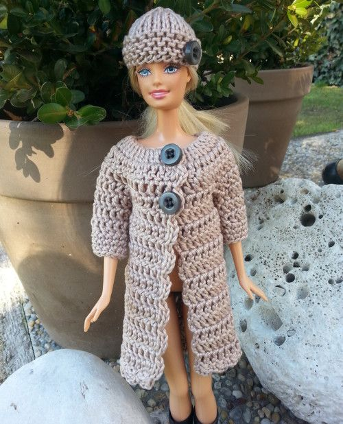 Hnědý kabát s 3/4 rukávem + čepice pro Barbie