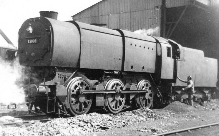 33008 was a SR Q1 Class, wartime 'austerity' locomotive. Built at the SR Brighton Works in 1942, it was withdrawn in Aug. 1963 & broken up at Cohen's (Kettering) yard in June 1964.