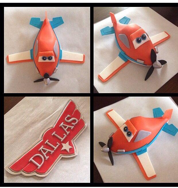 Dusty planes cake