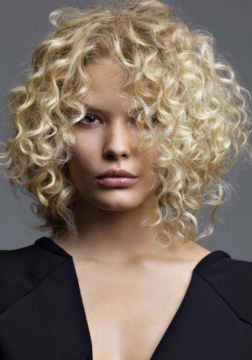 Coiffure femme cheveux fins boucles
