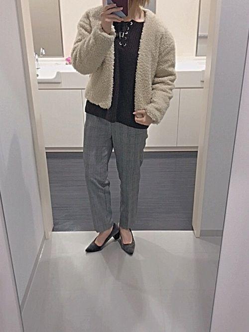 今日のコーデ🌷 今日は全体的に大人な 感じにしましたん🐰 パンプス履くと一気に 女性らしさが引き