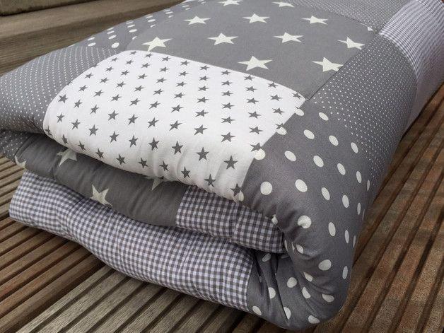 krabbeldecken patchwork decke krabbeldecke grau ein. Black Bedroom Furniture Sets. Home Design Ideas
