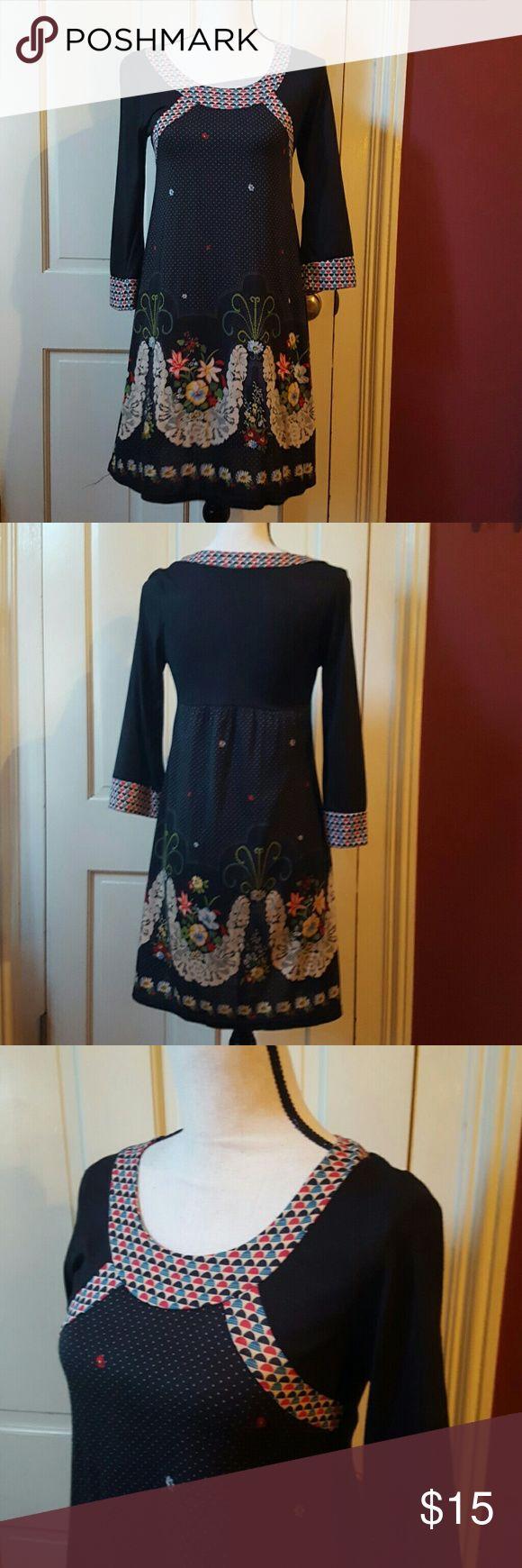 Cute boho floaty dress S Floaty little dress. Be really cute with tall boots. S Dari meya Dresses Mini