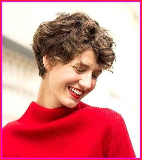beste kurzhaarschnitte für lockiges haar & rundes gesicht