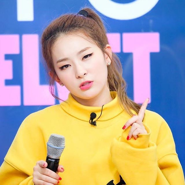 Red Velvet's in charge of charisma, SEULGI everyone!  || 151002 Seulgi @ V App…