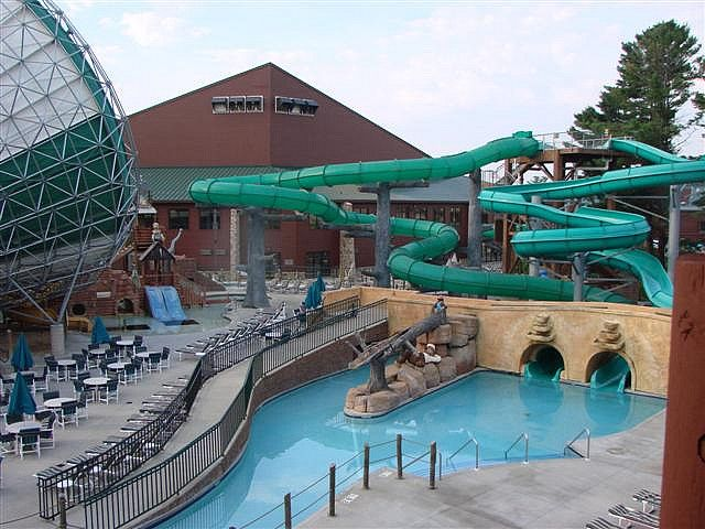 Wilderness lodge in wisconsin dells so much fun for the for Dells wilderness cabin