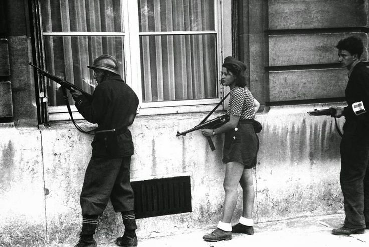 Simone Segouin, the 18 year old French Résistance fighter, 1944 18 year old French Résistance fighter, Simone Segouin, with war name Nicole Minet. She had come from Chartres to help liberate the capital. Paris, August 19, 1944.