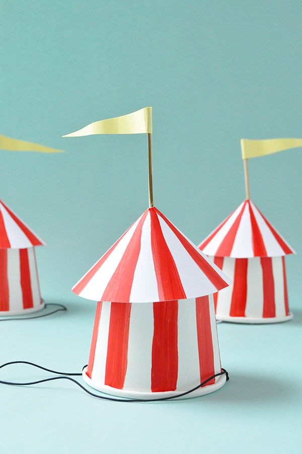Circus / Tutorial / Tents for decoration or as party hats