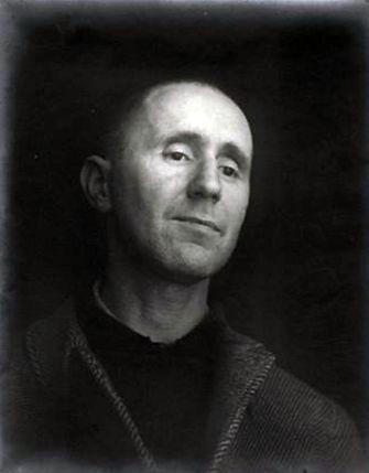 Bertolt Brecht. París, 1937 photo by Josef Breitenbach