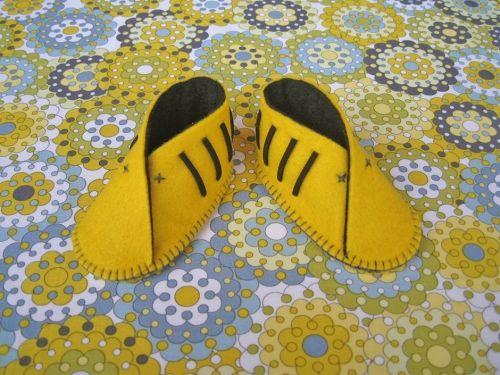 regalos para bebes avispa. Zapatos bebe Sofia'sthings. http://sofiasthings.com/producto/zapatos-bebe-avispa/
