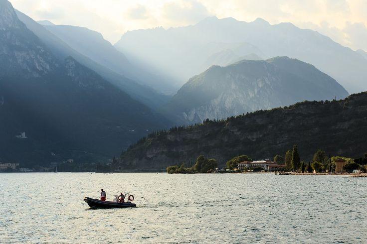 #Gardajärvi. Päivän viimeiset säteet. #Italy