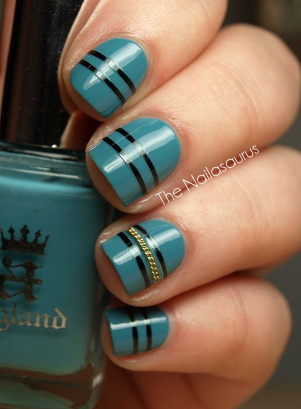 Fabulous blue/black strips w/ gold chain accent