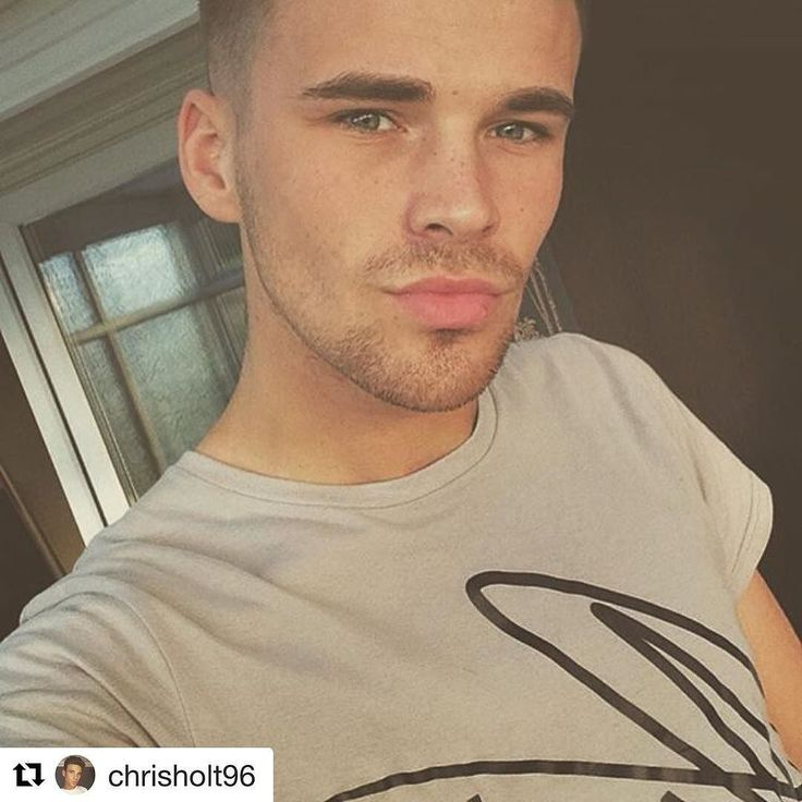 @chrisholt96 in our Scribble T  Get yours @ www.namic.co.uk   #Repost @chrisholt96  Nothing bores me more than shaving can you tell? #namic #clothing