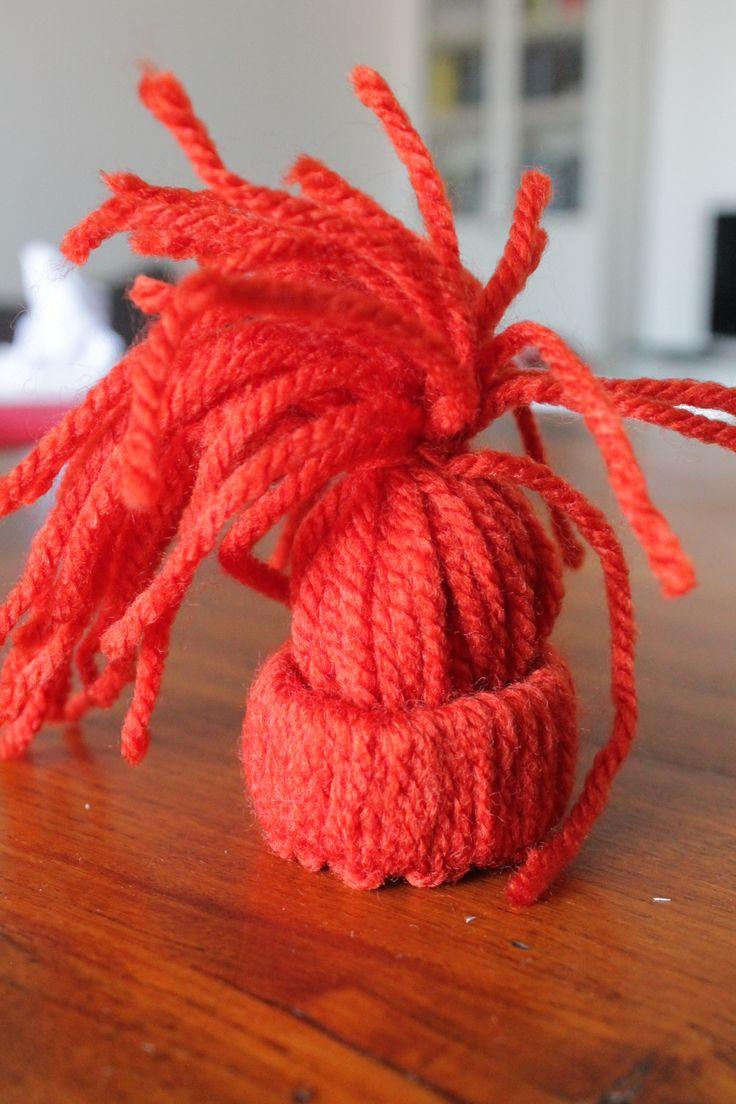 step 11 legate con un pezzo dello stesso filo di lana la chioma   tied with a piece of the same strand of the wool hair