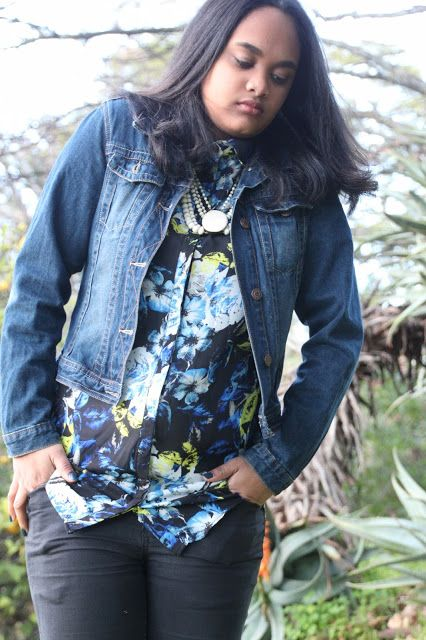 #denim #floral #denimjacket #jackets #winter #vintage #jewelry #pearls #style #fashion #styleblogger #crinkledreese
