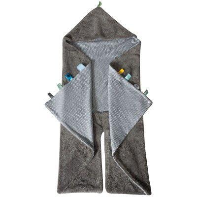 Lacouverture nomade Trendy Wrapping Storm Greyde la marqueSnoozebabyest multifonctionnelle et parfaitement adaptée pour les sièges auto et les poussettes ou tout simplement comme couverture dans le jardin ou dans un parc.