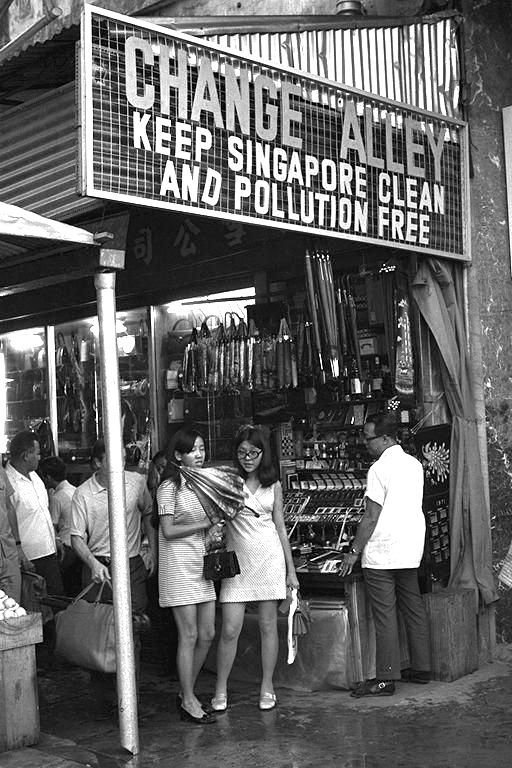Singapore - Change Alley op Raffles Place, jaren 70